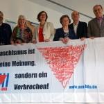 12- Der neugewählte Bundessprecherrat: (von links nach rechts: Dr. Ulrich Schneider (Kassel), Conny Kerth (Hamburg), Dr. Regina Girod (Berlin), Regina Elsner (Hoyerswerda), Dr. Axel Holz (Schwerin), Ulrich Sander (Dortmund)