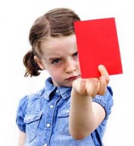 Mädchen mit roter Karte