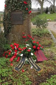 Kundgebung am Mahnmal auf dem Kommunalfriedhof in Hamm-Pelkum