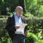 6- Siegfried Evers berichtet an der Grabstätte von Fritz Husemann über  dessen Lebenslauf