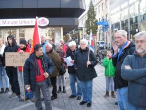 GegendemonstrantInnen auf dem Husemannplatz