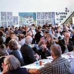 6- Die DelegiertInnen. (Im Hintergrund: die aktualisierte Neofa-Ausstellung der VVN-BdA)
