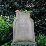 8 - Grabstätte von Fritz Husemann.