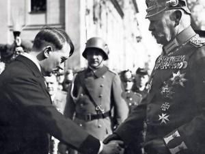 Paul von Hindenburg und Adolf Hitler 1933